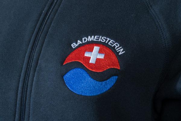 Sweatjacke für Badmeisterin Logo